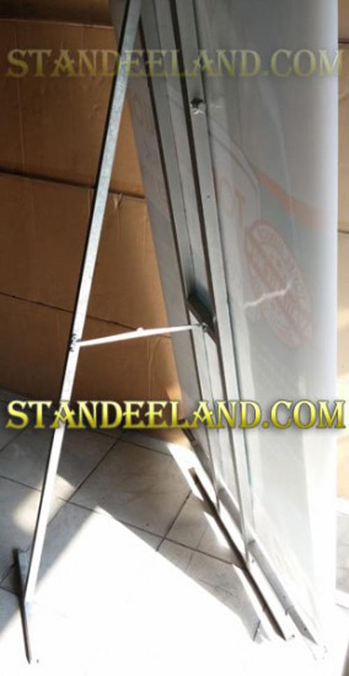 standee-chiu-gio-1-mat-2